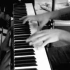 山下淳一郎ピアノ.jpg